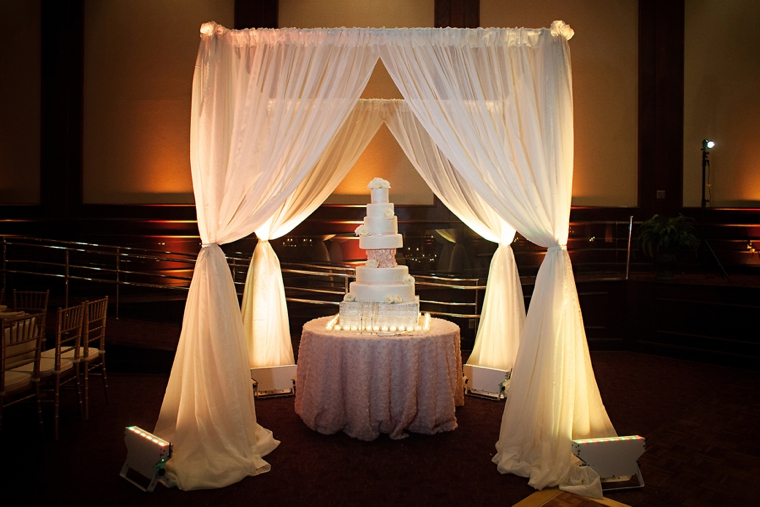Gold-and-White-Wedding_0043